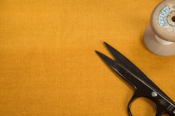 makower Linen Texture 60 Shades Gold 1473 Y7