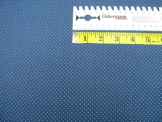 Baumwollstoff • micro dots • natur / yale blau