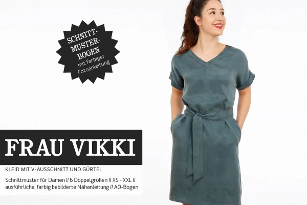 FRAU VIKKI • Kleid mit V-Ausschnitt • Papierschnitt