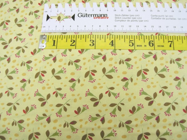 Clothworks Seedheads dark butter small flowers Baumwoll Stoff