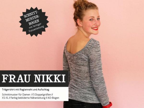 FRAU NIKKI • Basicshirt Rückendekolletée, Papierschnitt, Deckblatt