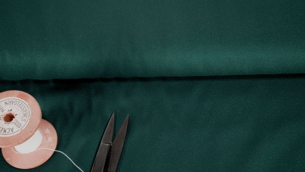 Viskose Crepe Forrest dunkelgrün by Atelier Brunette