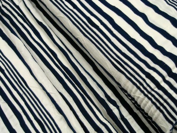 Jacquard fein Strick blaue Wellenstreifen auf weiß